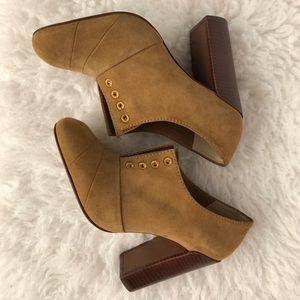 SALE‼️TORY BURCH Suede Ankle Boots size 5 1/2